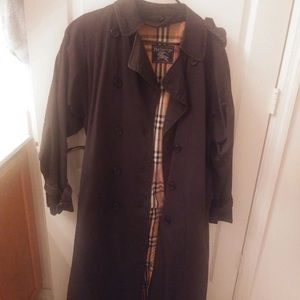 Burberry Trench ! MOVING SALE !!